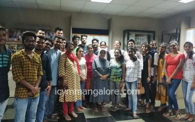 ICYM Moodbidri unit pays a visit to Olavinahalli Ashram