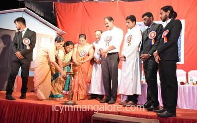 ICYM Bajpe unit organises 'Christmas Sambram-2019'
