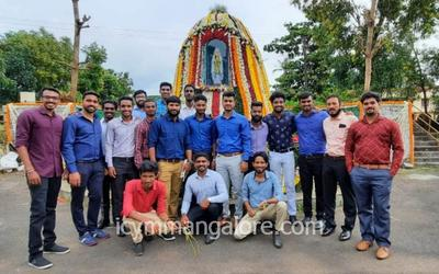ICYM Bajpe unit helps in decoration of Grotto of Mother Mary